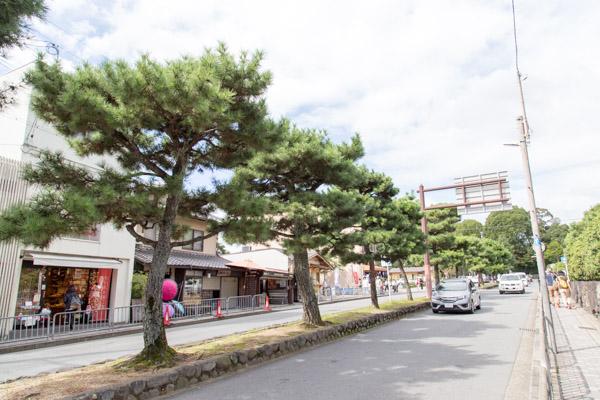 金閣寺参道前